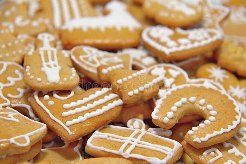 De Koekjes van de Kerstmispeperkoek stock afbeeldingen