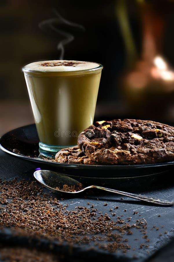 De koekjes van de koffie en van de chocolade stock fotografie