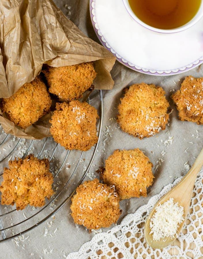 De koekjes van de kokosnotenmakaron stock foto
