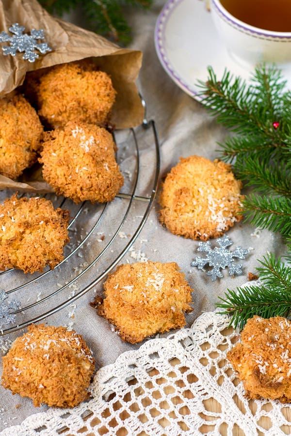 De koekjes van de kokosnotenmakaron voor Kerstmis royalty-vrije stock foto