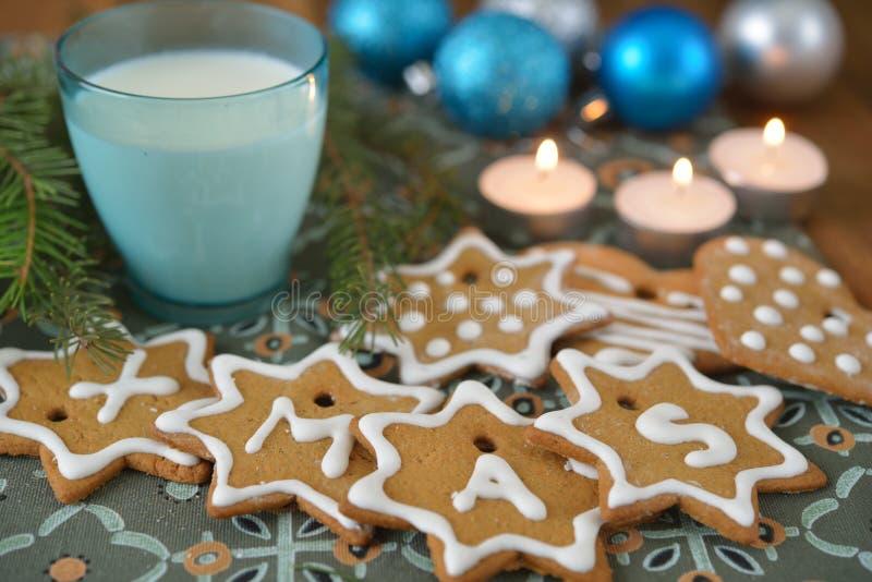 De Koekjes van Kerstmis voor Kerstman royalty-vrije stock afbeeldingen