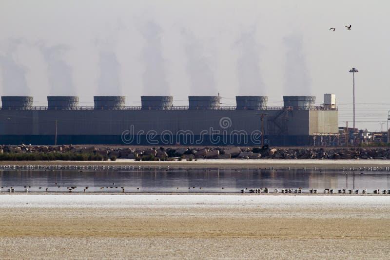 De KoelTorens van de Installatie van de geothermische Energie royalty-vrije stock foto's