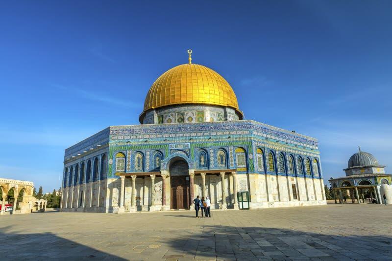 De koepel van de Tempel van de Rots Islamitische Moskee zet Jeruzalem Israël op royalty-vrije stock foto's