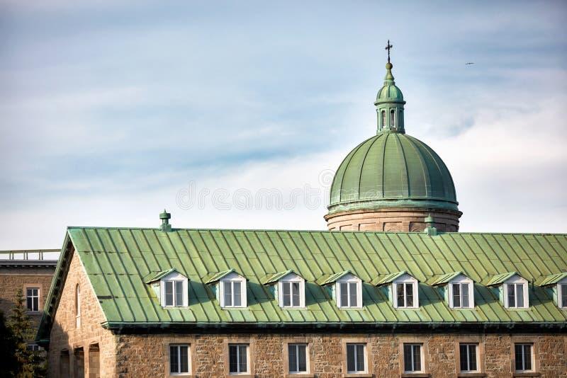 De koepel van het historische ziekenhuis van hotel-Dieu du Montreal in Quebec, Canada stock fotografie
