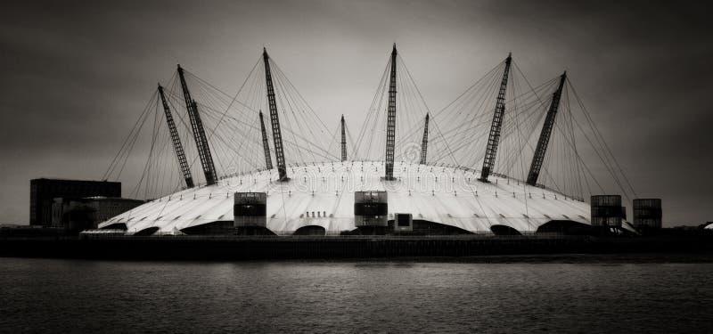 De koepel van het millennium, Londen. Panoramisch van de arena van O2, Londen. stock foto's