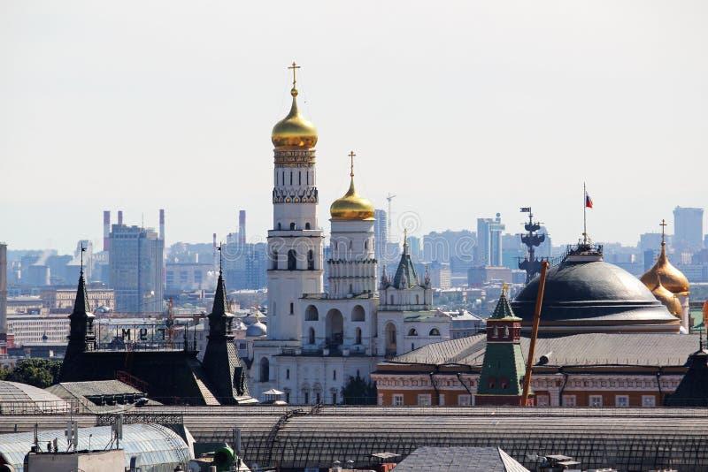 De koepel van Ivan Great-torenklok in Moskou het Kremlin royalty-vrije stock foto