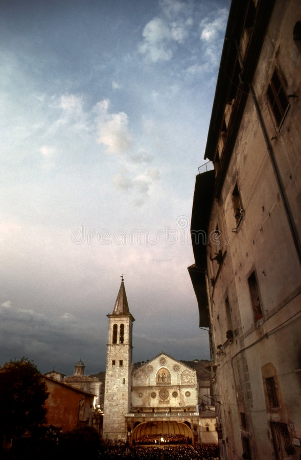 De koepel van Spoleto stock afbeeldingen