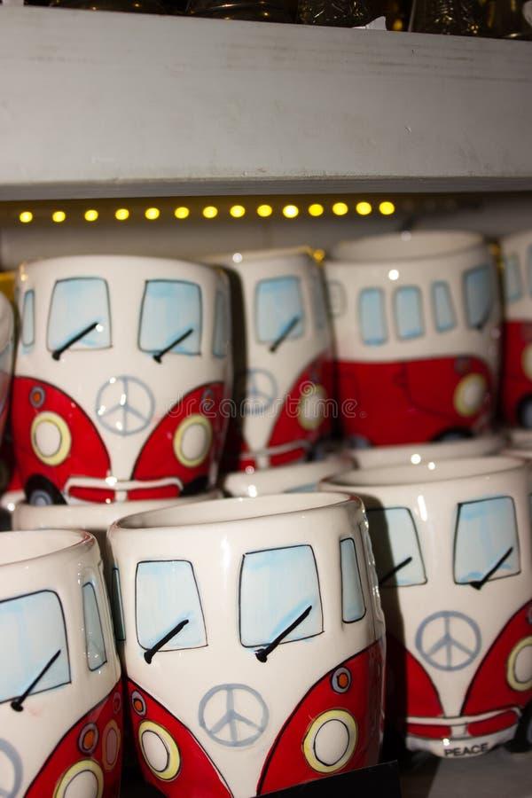 De koffie van de Herinneringskoppen van de giftwinkel stock afbeeldingen