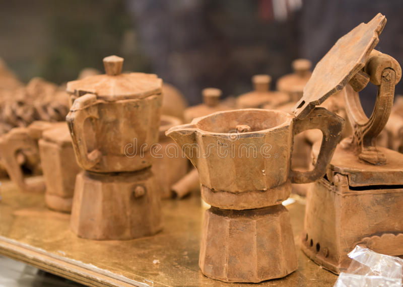 De koffiepotten van donkere chocolade royalty-vrije stock fotografie