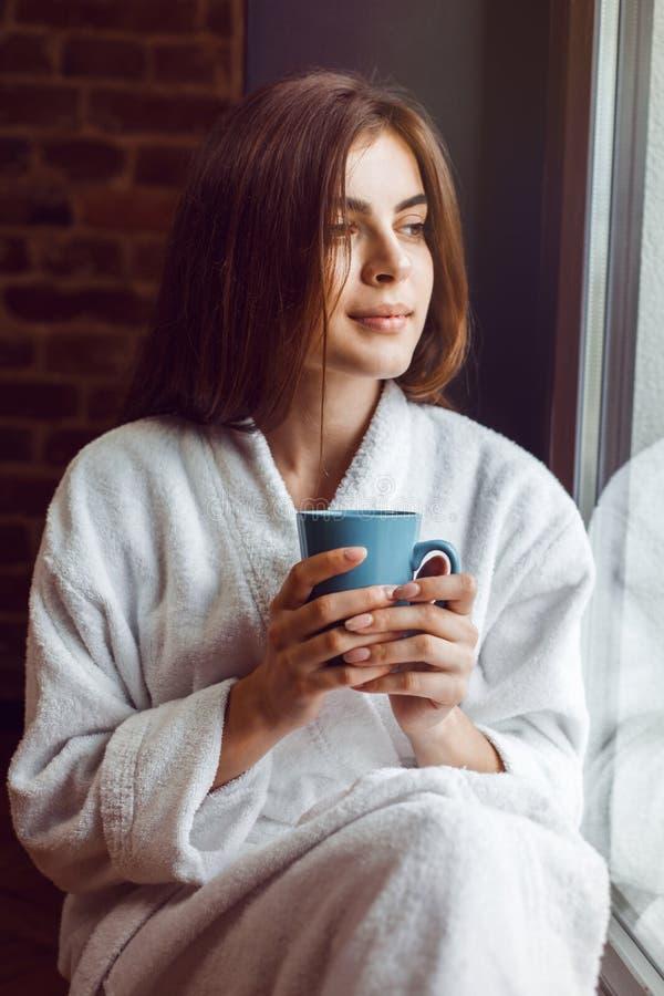 De koffietijd van de ochtend stock afbeelding