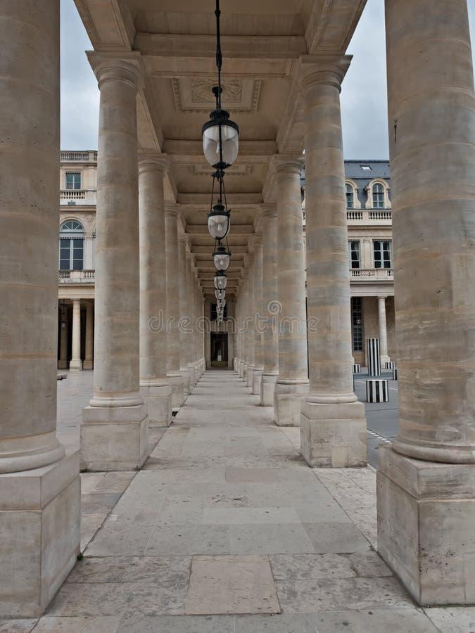 De Kolommen van Palais Royal in Parijs, Frankrijk stock afbeelding