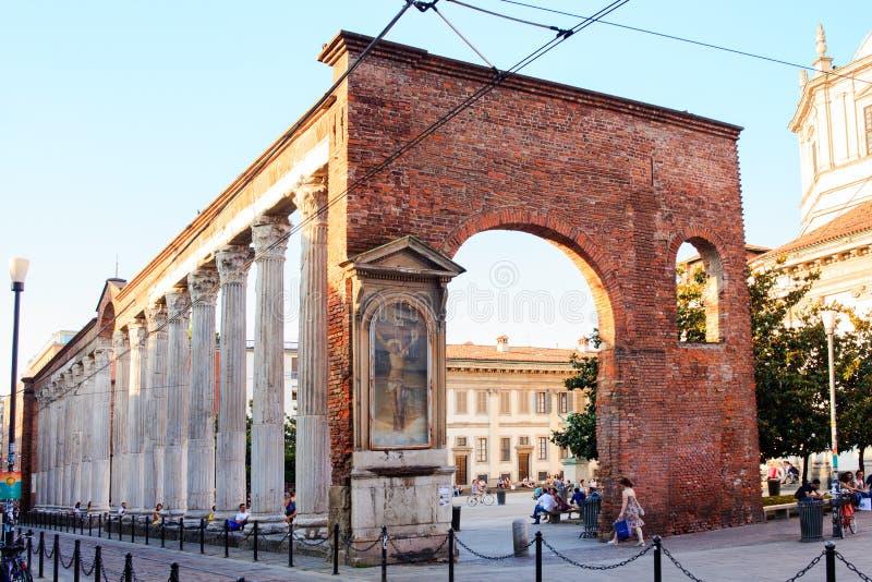 De kolommen van San Lorenzo, Milaan stock foto