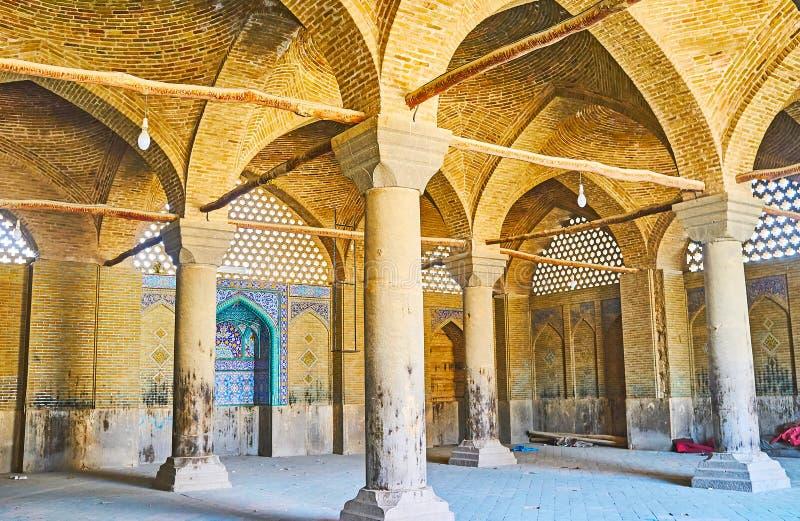 De kolomzaal van Seyed-Moskee, Isphahan, Iran royalty-vrije stock afbeeldingen