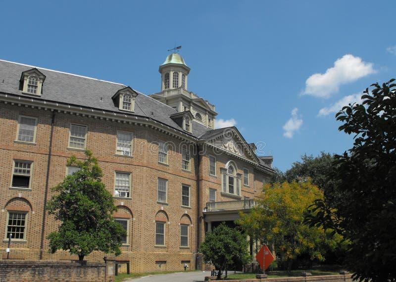 De koloniale Slaapzaal van de Universiteit royalty-vrije stock afbeelding