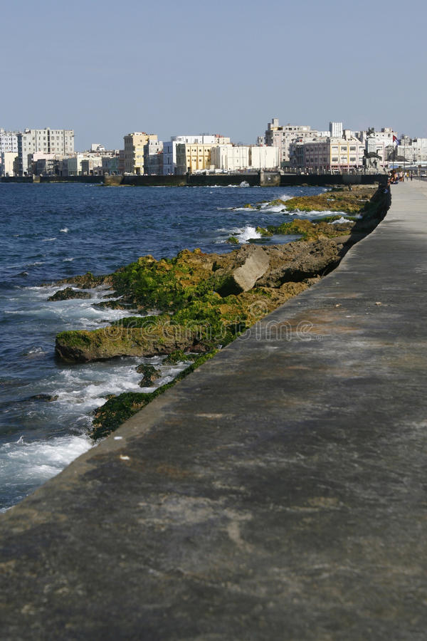 De koloniale stad van Havana en het is Malecon. Cuba royalty-vrije stock foto's
