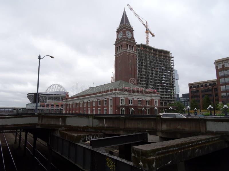 De Koning Street Station van Seattle, het Gebied van de Eeuwverbinding en bouw stock afbeeldingen