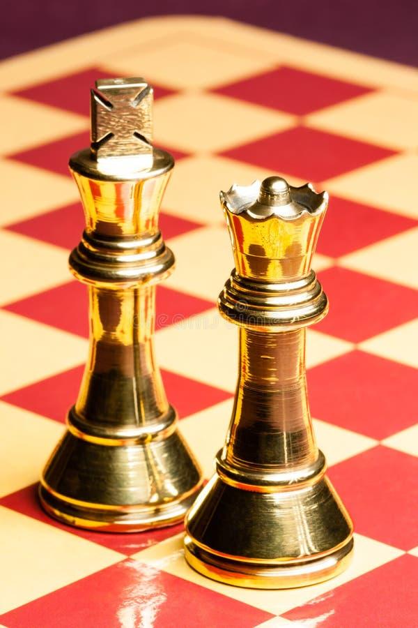 De Koningin en de Koning van het messingsschaak royalty-vrije stock afbeeldingen