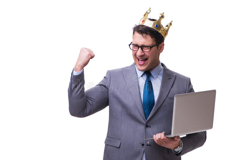 De koningszakenman die laptop houden die op witte achtergrond wordt geïsoleerd stock fotografie