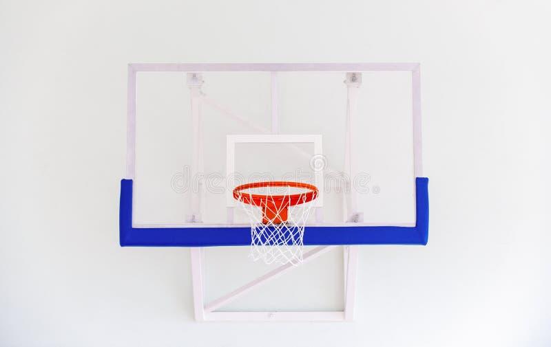 De kooi van de basketbalhoepel, geïsoleerde grote rugplankclose-up, nieuwe outd stock foto
