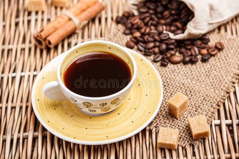 Download De kop van de koffie stock foto. Afbeelding bestaande uit koffie - 29506972