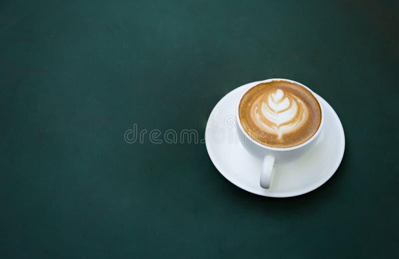 De kop van de koffie op lijst stock afbeelding
