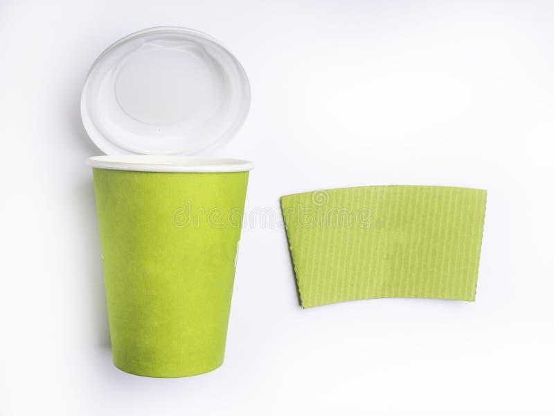 De kop van de Groenboekkoffie Ge?soleerdj op witte achtergrond stock fotografie
