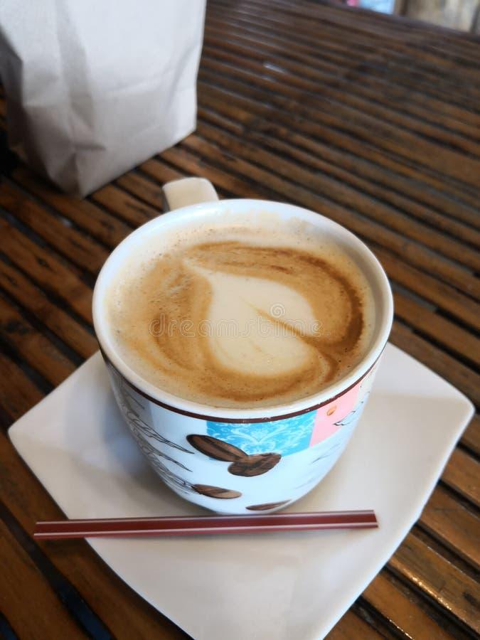 De kop van de koffie met hart royalty-vrije stock afbeelding