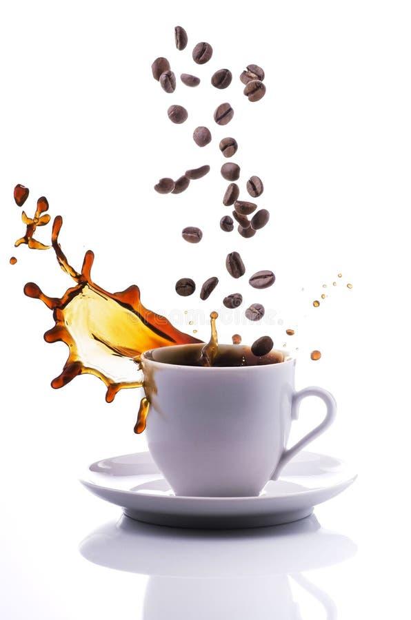 De kop van de plonskoffie stock afbeelding