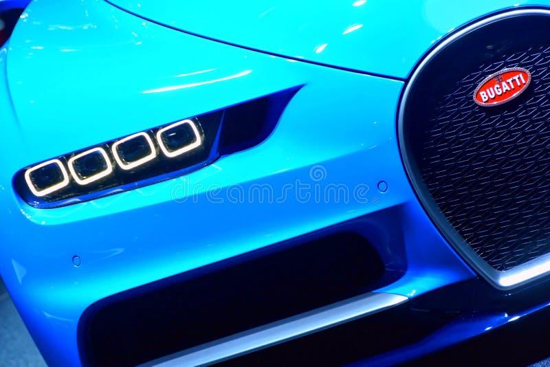 Download De Koplamp Van Bugatti Chiron Redactionele Fotografie - Afbeelding bestaande uit fastest, prestige: 107701317
