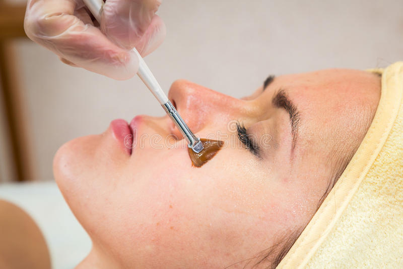 De kosmetische procedures voor het gezicht royalty-vrije stock fotografie