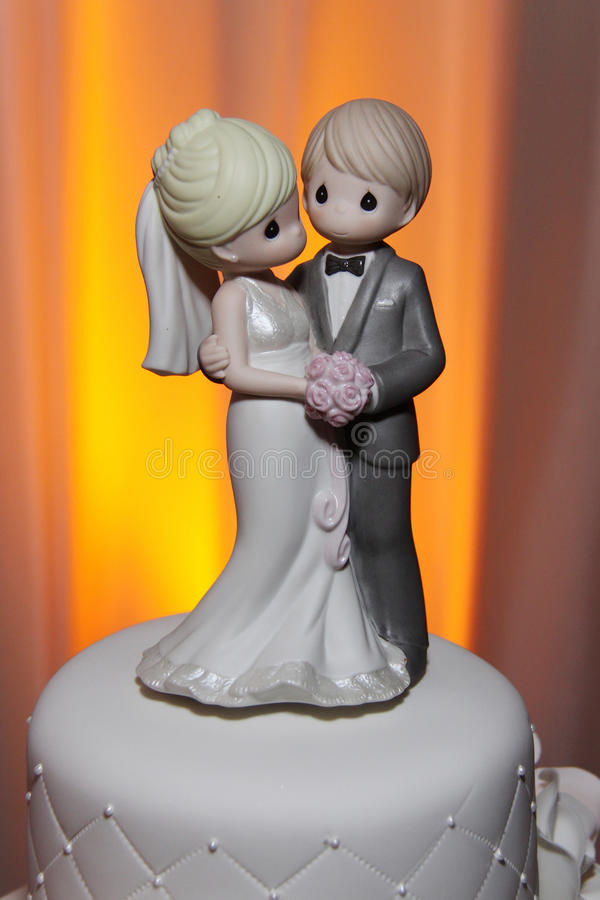 De kostbare Cake Topper van het Huwelijk van Ogenblikken royalty-vrije stock afbeelding