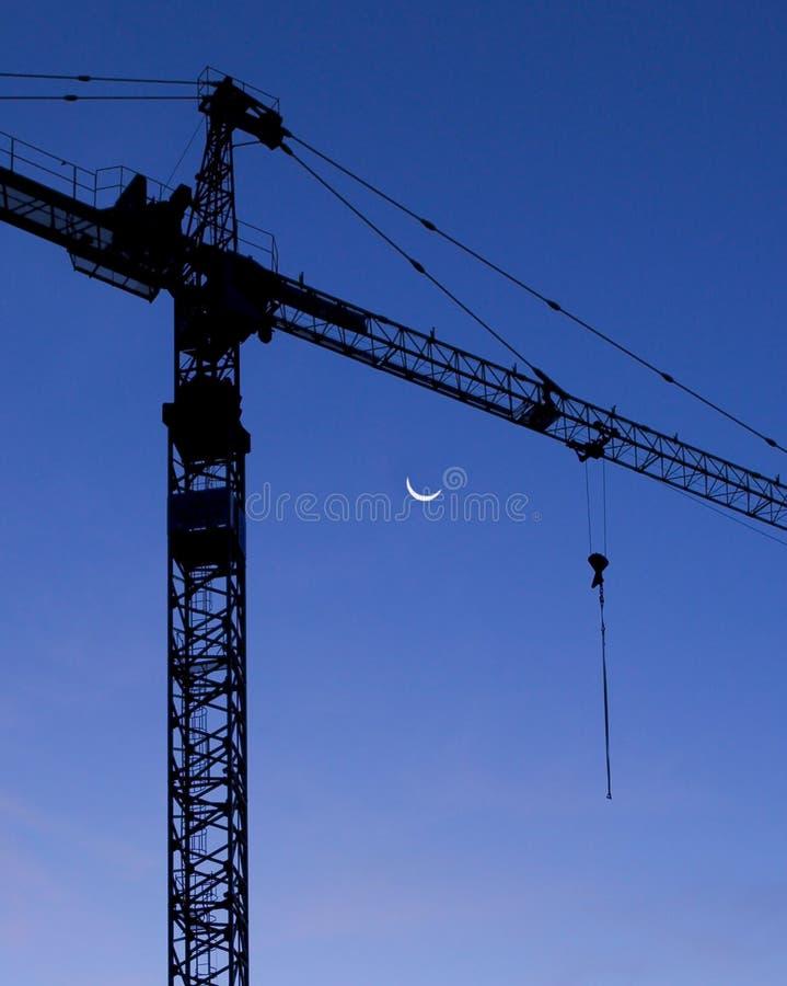 Download De Kraan van de bouw stock foto. Afbeelding bestaande uit gesilhouetteerd - 28154