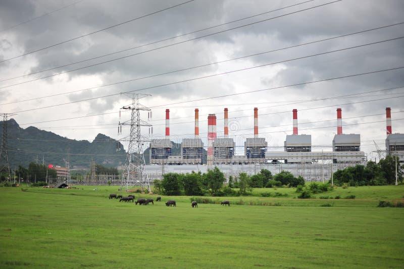 De krachtcentrale stock afbeeldingen