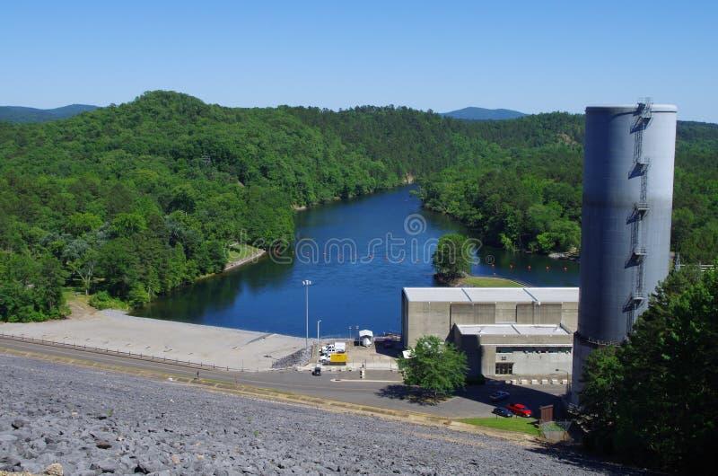 De krachtcentrale van meerouachita bij Blakely-dam in Heet de Lentes Nationaal Park, Arkansas, de V.S. stock foto's