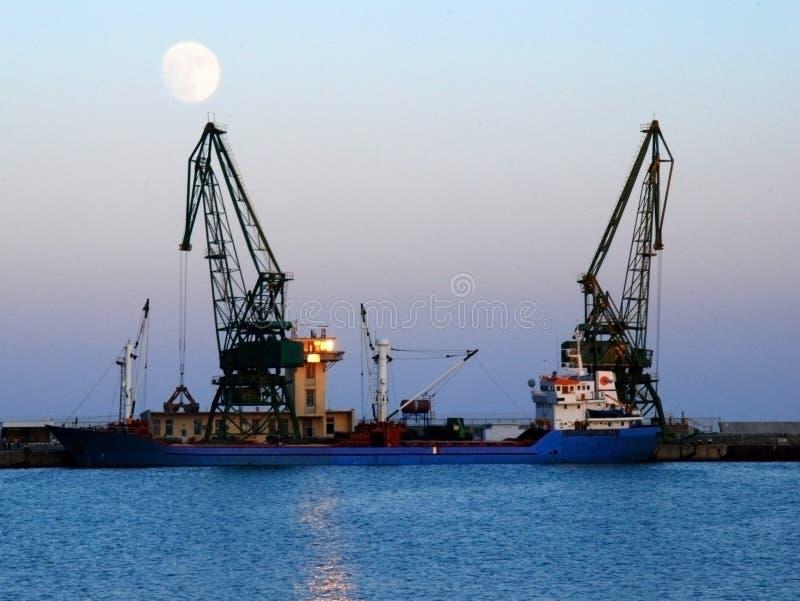De kranen van de scheepswerf royalty-vrije stock afbeeldingen