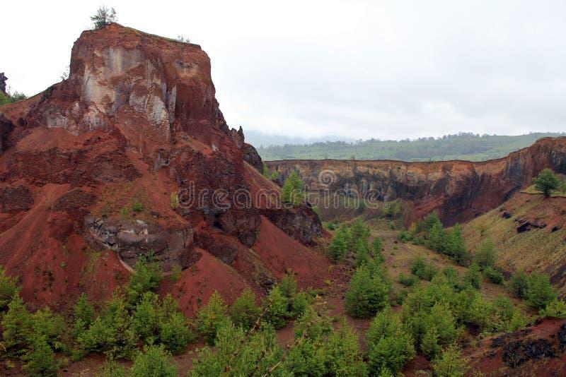 De krater van de Racos extict vulkaan royalty-vrije stock foto