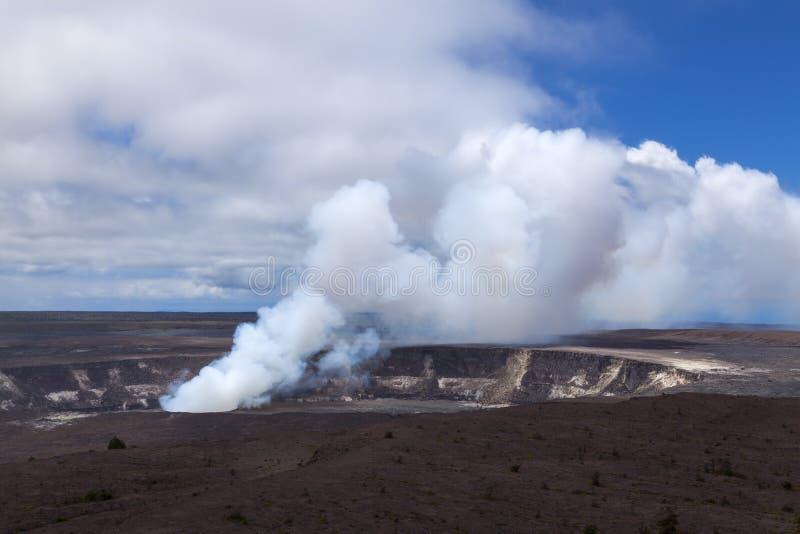 De krater van Kilauea in vulkaan nationaal park stock foto's