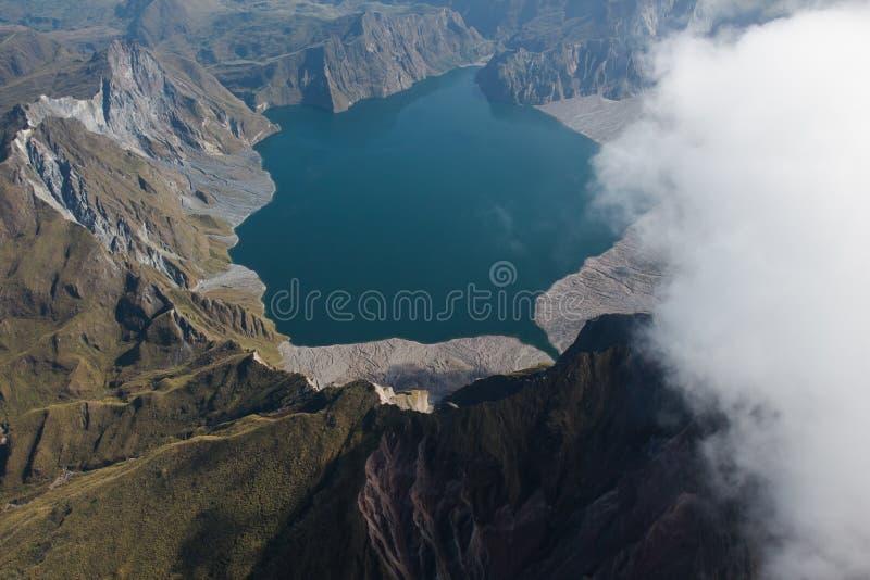 De krater van MT Pinatubo van de lucht, Filippijnen stock afbeelding