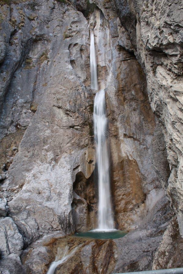 De Kreek Watervalvrouwen van de Oost- van Tirol Frauenbach Wasserfall royalty-vrije stock foto