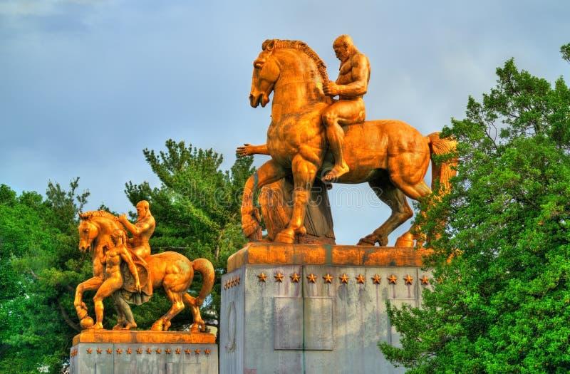 De Krijgskunst Standbeelden bij de Herdenkingsbrug van Arlington - Washington D C stock foto's