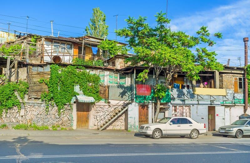 De krottenwijken van Yerevan het District van Kond stock foto's