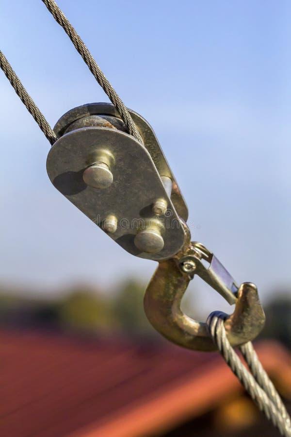 De Kruk van de staalkabel met de Gesmede Haak van de Veiligheidsgreep stock fotografie