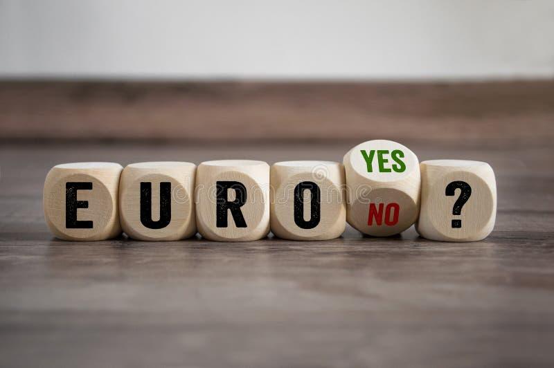 De kubussen dobbelen ja met Euro of nr royalty-vrije stock foto