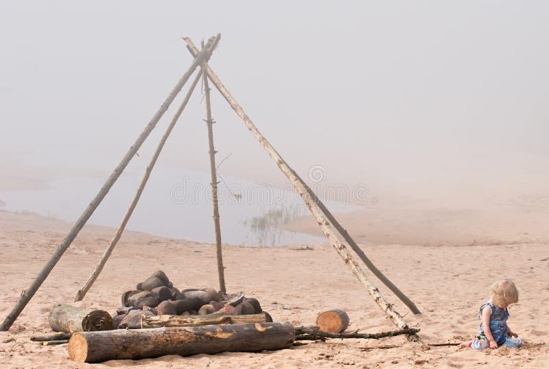 De kuil van de brand op het strand royalty-vrije stock fotografie