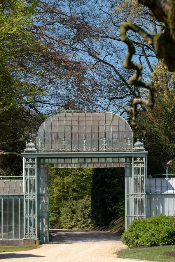 De kungliga växthusen på Laeken, Bryssel, Belgien som komponeras av ett komplex av ett antal växthus arkivfoton