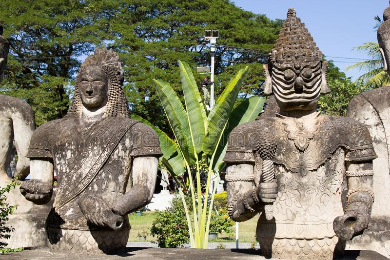 De Kunst van Boeddhisme Overvloed van de standbeelden van Boedha in het Park van Boedha, Vientiane Laos PDR stock afbeelding