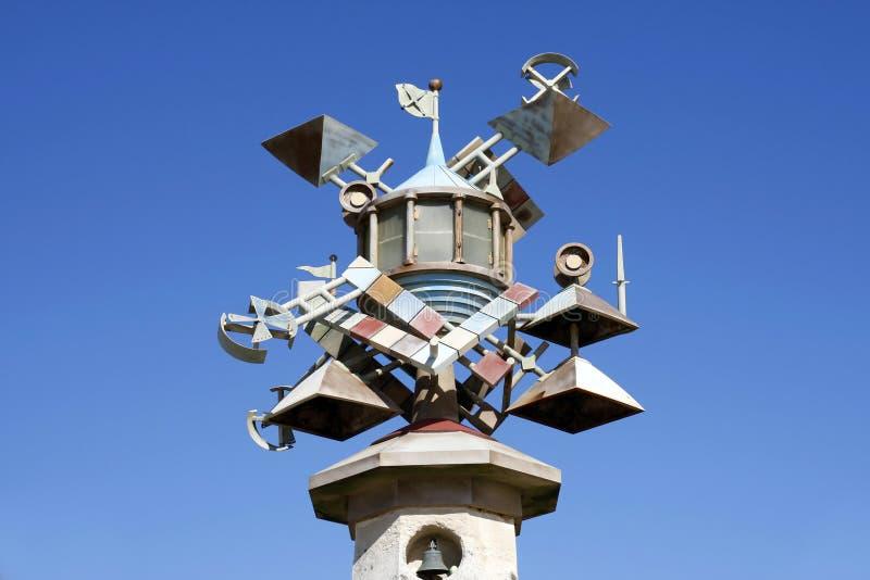 De kunstbeeldhouwwerk van de vuurtorentoren, Swansea, Zuid-Wales, het UK stock foto