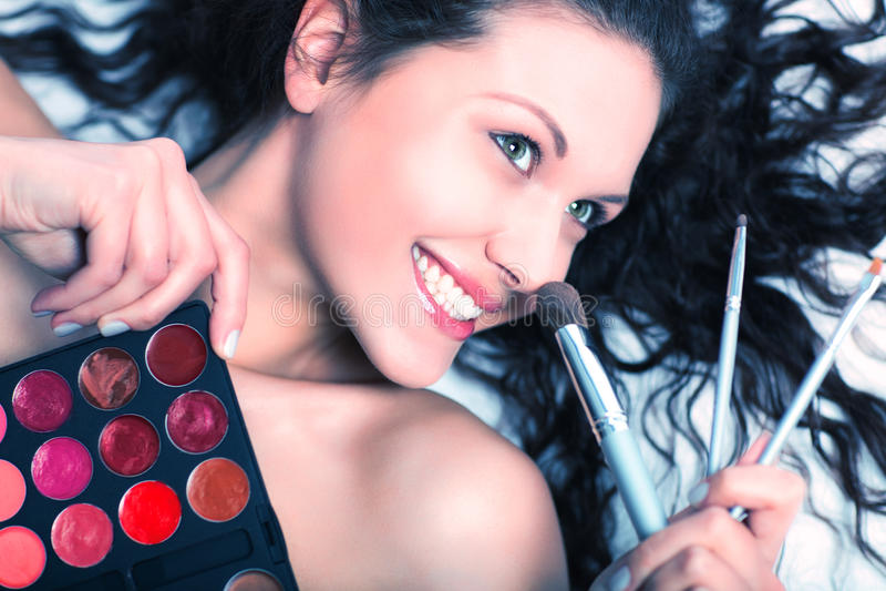 De kunstenaarsportret van de make-up royalty-vrije stock afbeeldingen