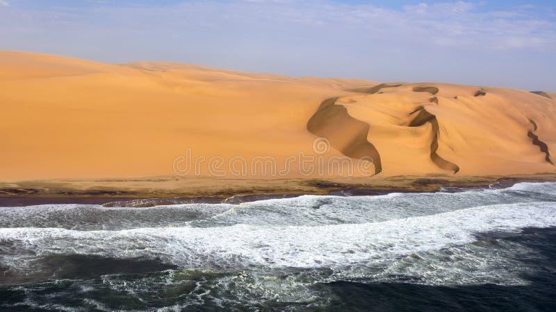 De kust in Namibië royalty-vrije stock afbeelding