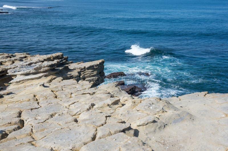 De kust van Atlantische oceant royalty-vrije stock afbeelding